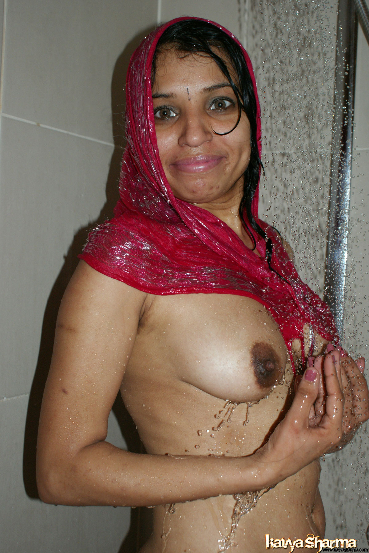 Iab picture gallery 18. Kavya sharma taking shower and getting
